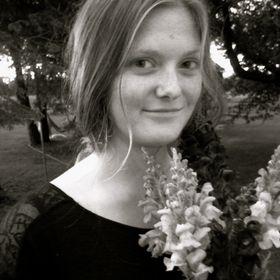 Claire Riebe