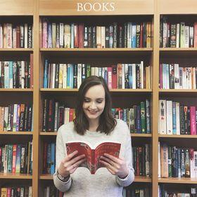 Amy Buckle / Amy's Bookshelf