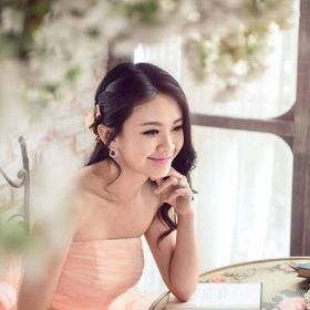 Author Jackie Wang