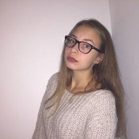 Szarka Zsanett