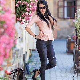 Alessandra Tisha