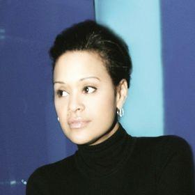 Lanya Michèle