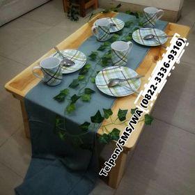 Meja makan minimalis di Bekasi