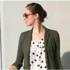Laura @ A Closet Full of Clothes...