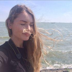 Marina Klepach Fashion Stylist