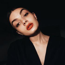 Ella Costache
