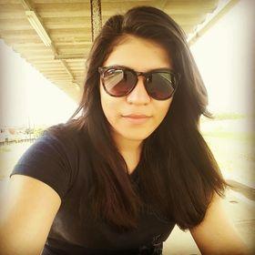 Dayara Oliveira