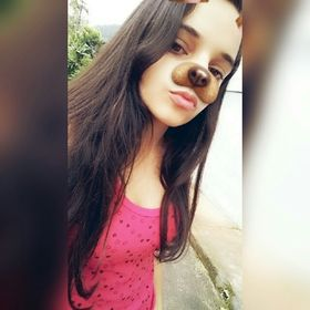 Lívia Araújo