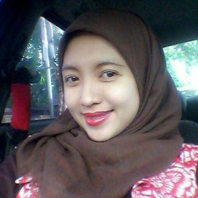 Dewi R