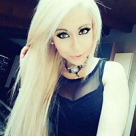 Laura Nicole