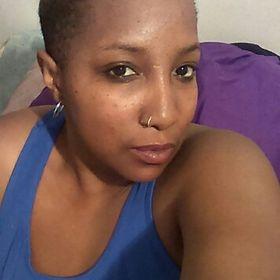 Light skin ebony milf