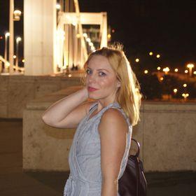 Laura Darabos