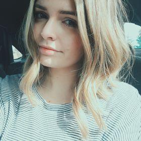 Andrea Lynne
