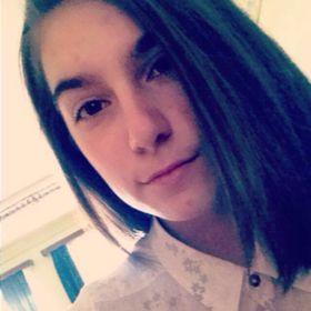 Viktoria Anett Lazur