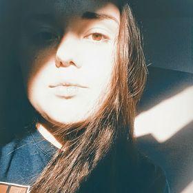 Mikaela Jade