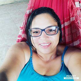 Elisângela Ferreira
