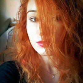 Thedora Quınn