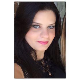 b566bf178 Camila Soares (soarescamila11) no Pinterest