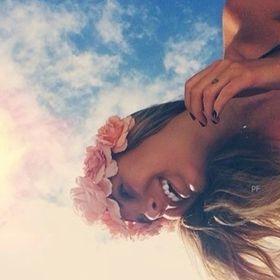 Izabelle 🖕🖕🖕🖕