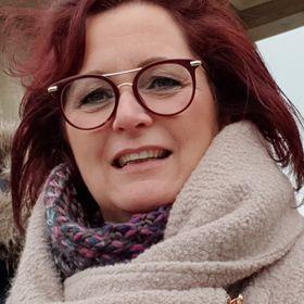 Nancy van der Leeden