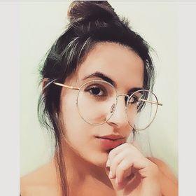 Nicole Fernandes