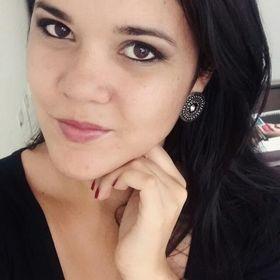 Camila Tolentino