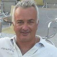 Στέλιος Χριστοδούλου