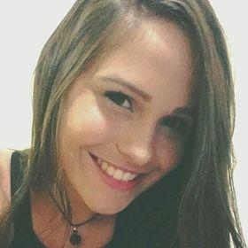 Camila Stur