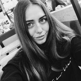 Annie Zhukova