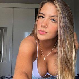 Joana Abernathy Pinterest Profile Picture