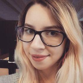 Laura Károlyi