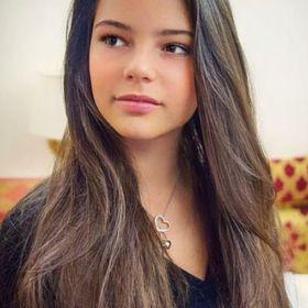 Nicole De Ponte