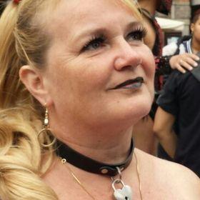 Annemette Holm