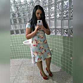 Larissa Mikaelly