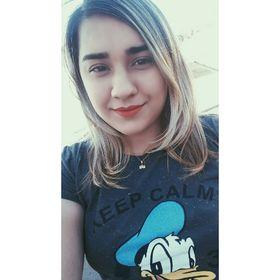 Débora Alves