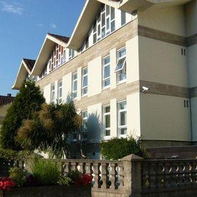 Hotel / Albergue La Salle
