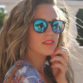 Alexandra Castro G