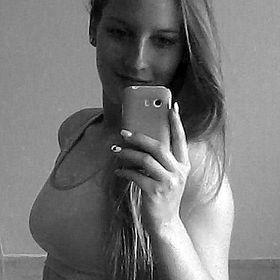Viktoria Harmincz