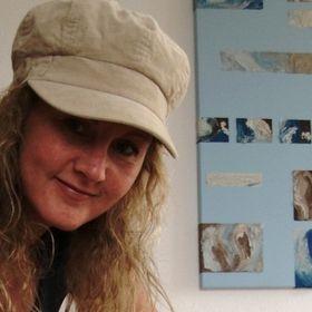 Alison Quine