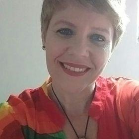 Elaine Albuquerque