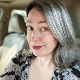 Katie Emery | Katie Goes Platinum (Gray Hair Tips & Tricks & Info!)