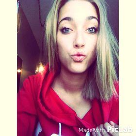 Tania St. Amand 🌺