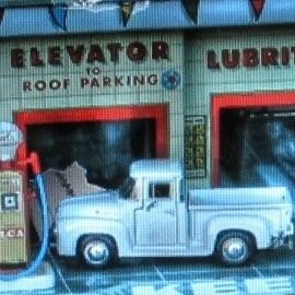 HOT WHEELS LARRY/'S GARAGE /'32 FORD SEDAN DELIVERY #8//20 RED Rubber Tires