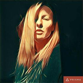 Anna Suhajova