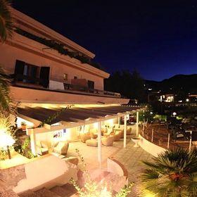 hoteldelfino