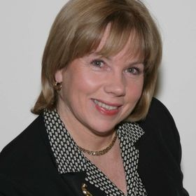 Eileen Gilroy,  William Raveis Legends Realty Group
