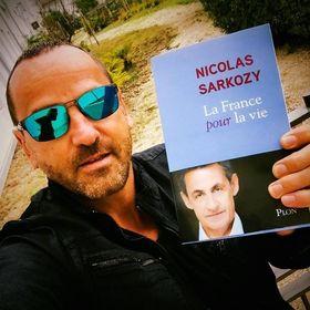 Les 77 meilleures images de François Hollande humour   Hollande humour, François hollande et ...