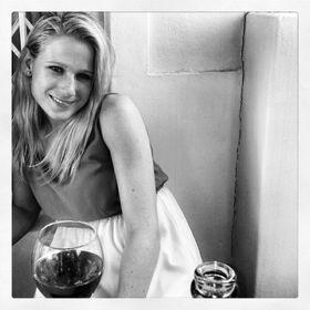 Nicole Van Wyk