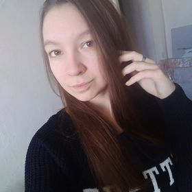 Лера Балванова