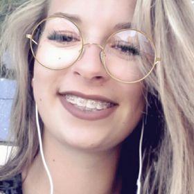 Barna Laura
